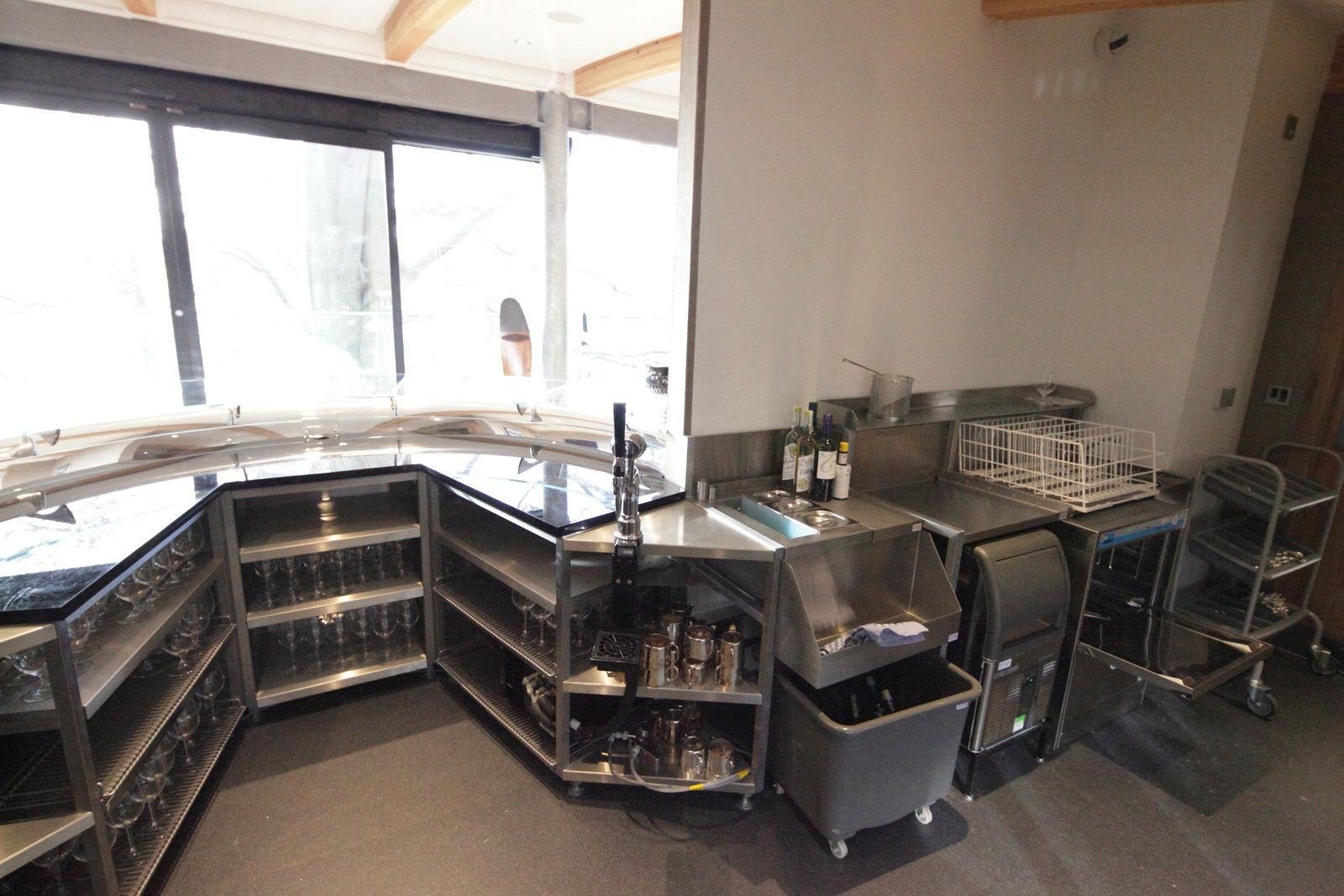 gr ce aux lave verres meiko le personnel de bowcliffe. Black Bedroom Furniture Sets. Home Design Ideas